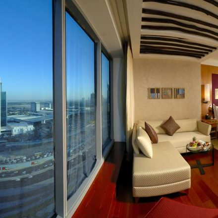 The Jet Set Dubai Traveler and Luxury Dubai Hotels