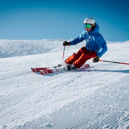 How to enjoy a safe skiing?