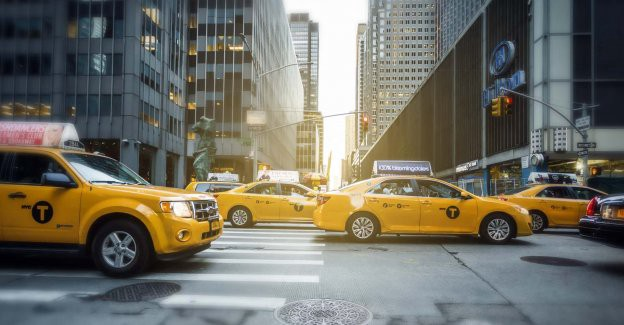 The Main Benefits of Booking a Taxi